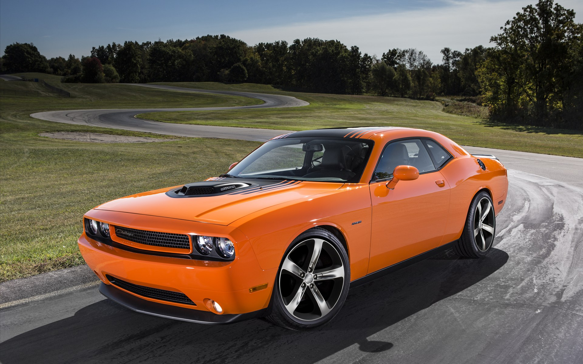 Awesome Orange Dodge Challenger RT Shaker 2014 Photo Picture Image