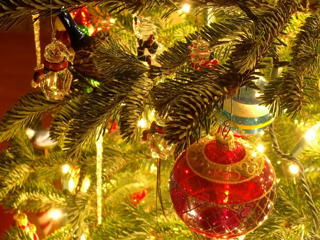 Ball Accessories For Christmas Tree HD Wallpaper Widescreen For PC Computer