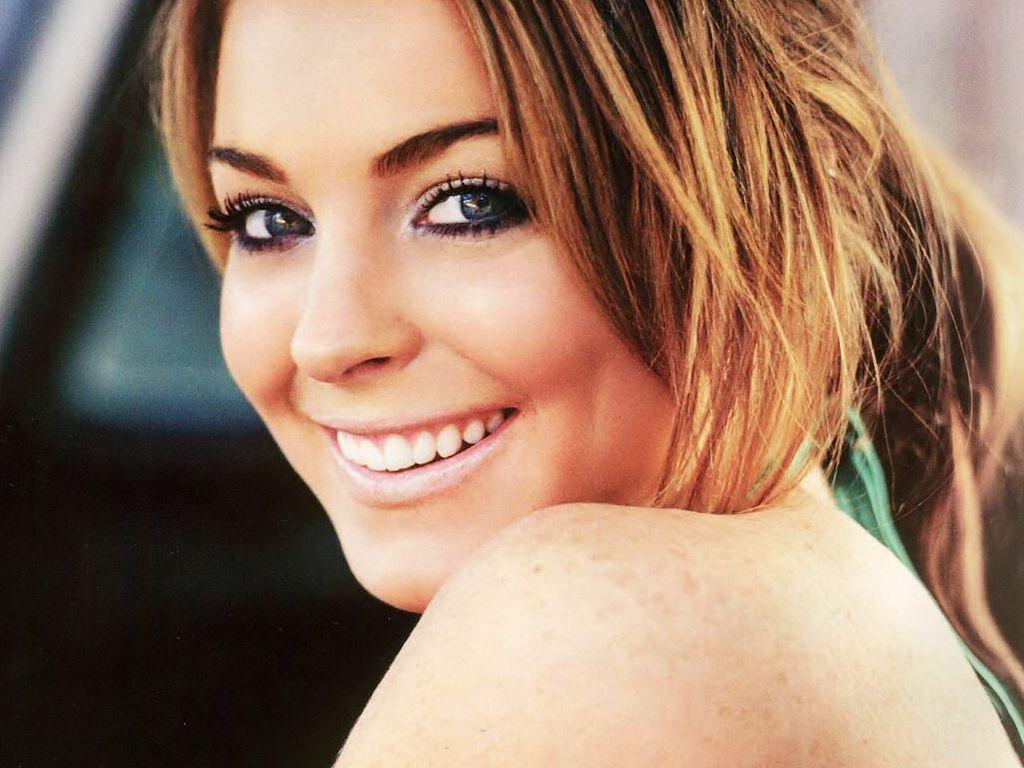 Beautiful Lindsay Lohan Wallpaper HD Widescreen For Your PC Computer
