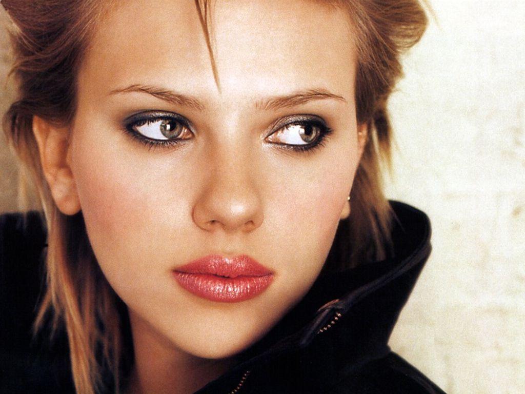 Scarlett Johansson Short Hair And Black Jacket Picture HD Wallpaper