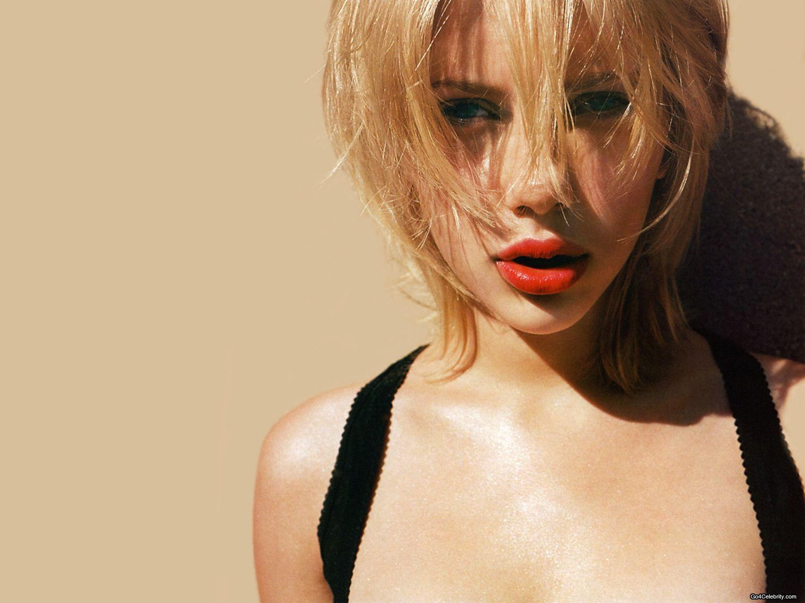 Scarlett Johansson Wallpaper HD Widescreem For Your PC Computer